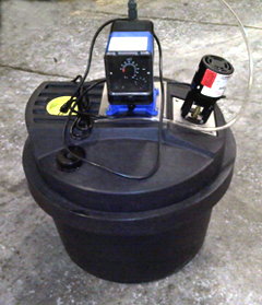 Beckart offers an optional ClO2 feed unit that can be located near a clarifier, pit, gray water tank, recycled water tank, or other storage units, providing a constant source of fresh chlorine dioxide on an as-needed basis. A range of sizes are available to suit applications, required concentrations and water volumes.